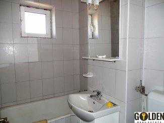 Apartament cu 4 camere de vanzare, confort Lux, zona Polivalenta,  Arad