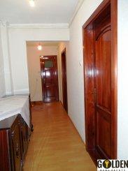 Arad, zona Polivalenta, apartament cu 4 camere de vanzare
