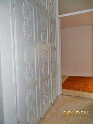 vanzare apartament decomandat, zona Micalaca, orasul Arad, suprafata utila 100 mp