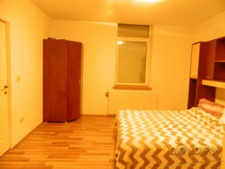inchiriere apartament semidecomandat, zona Centru, orasul Arad, suprafata utila 150 mp