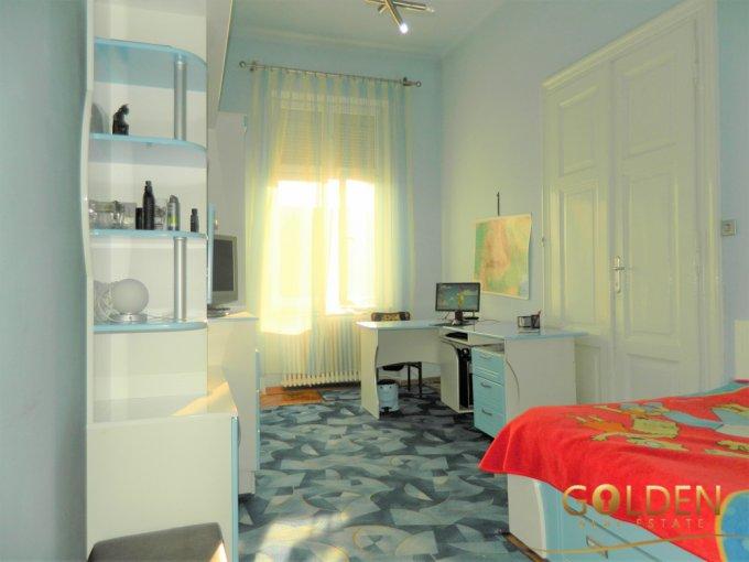 vanzare apartament cu 4 camere, semidecomandat, in zona Ultracentral, orasul Arad