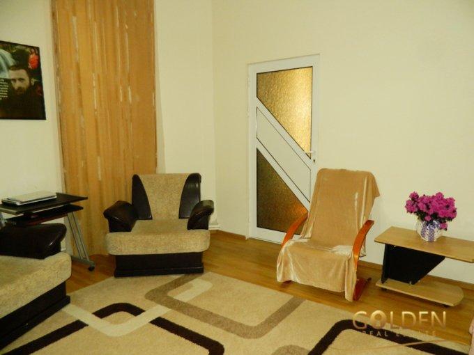 Apartament vanzare Centru cu 4 camere, la Parter, 1 grup sanitar, cu suprafata de 189 mp. Arad, zona Centru.