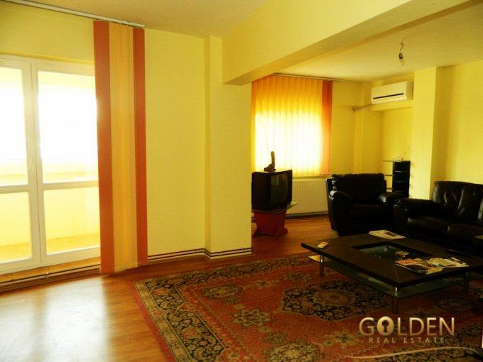 Apartament de vanzare in Arad cu 4 camere, cu 3 grupuri sanitare, suprafata utila 120 mp. Pret: 79.900 euro negociabil.