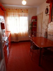 proprietar vand apartament decomandat, in zona Miorita, orasul Arad