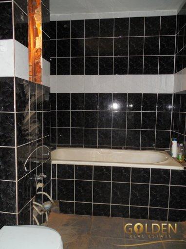 Apartament cu 5 camere de vanzare, confort 1, zona Micalaca,  Arad