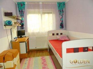 vanzare apartament decomandat, zona Aurel Vlaicu, orasul Arad, suprafata utila 111 mp