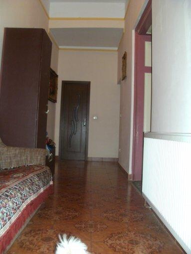 vanzare apartament semidecomandat, zona Centru, orasul Arad, suprafata utila 275 mp