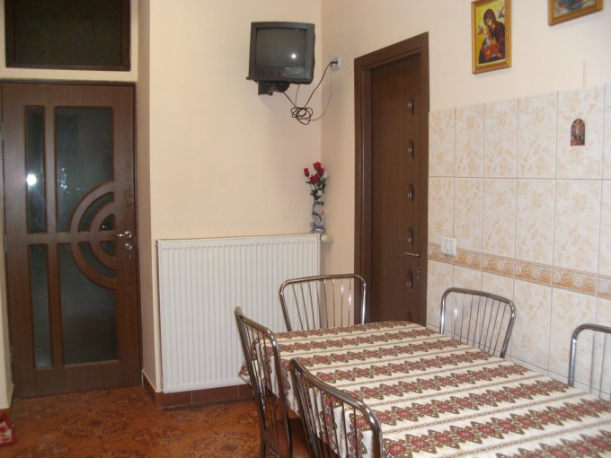 proprietar vand apartament semidecomandat, in zona Centru, orasul Arad