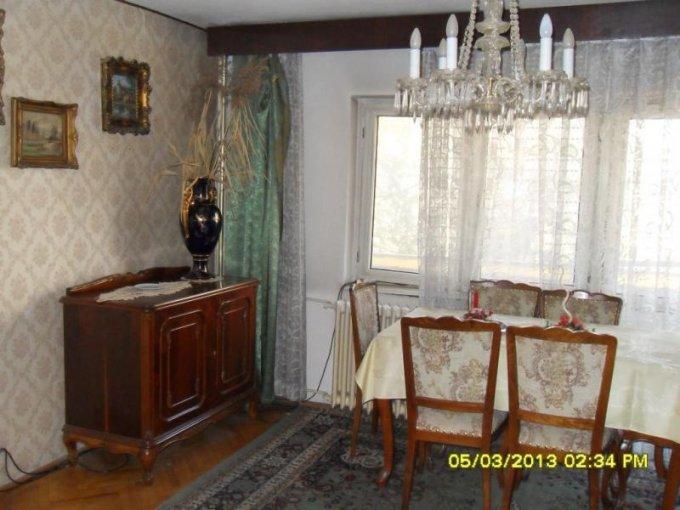 vanzare apartament cu 5 camere, decomandat, in zona Micalaca, orasul Arad