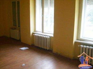 vanzare duplex cu 6 camere, decomandat, in zona Ultracentral, orasul Arad