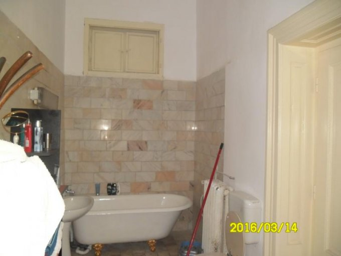 vanzare apartament cu 6 camere, decomandat, in zona Ultracentral, orasul Arad