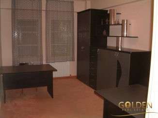 inchiriere apartament decomandat, zona Centru, orasul Arad, suprafata utila 208 mp