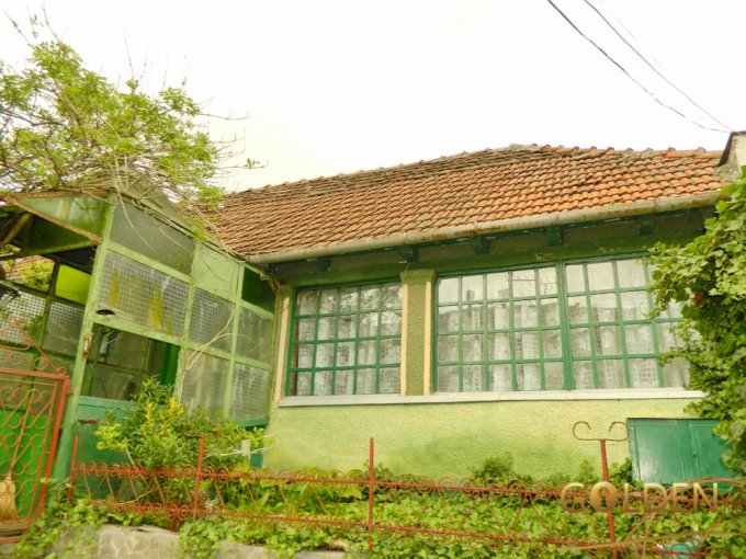 vanzare Casa Arad Micalaca cu 2 camere, 1 grup sanitar, avand suprafata utila 120 mp. Pret: 85.000 euro negociabil. agentie imobiliara vand Casa.