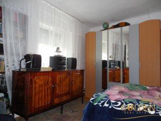 vanzare casa cu 3 camere, zona Poltur, orasul Arad, suprafata utila 100 mp