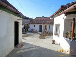 Casa de vanzare cu 3 camere, in zona Gradiste, Arad