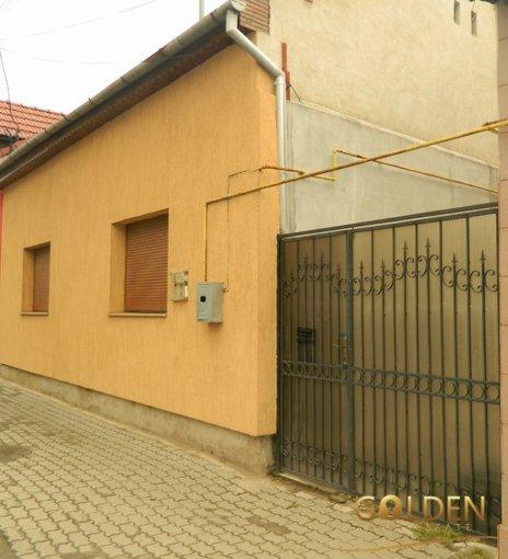 Parneava Arad casa cu 3 camere, 1 grup sanitar, cu suprafata utila de 95 mp, suprafata teren 633 mp si deschidere de 10 metri. In orasul Arad Parneava.