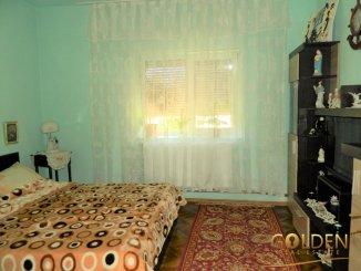 Casa de vanzare cu 3 camere, in zona Poltur, Arad