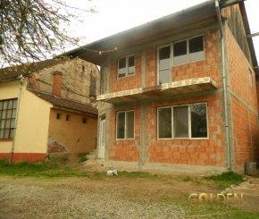Arad Lipova, casa cu 3 camere de vanzare de la agentie imobiliara