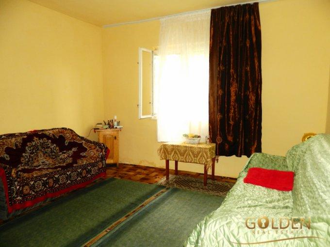 vanzare Casa Arad Aradul Nou cu 3 camere, 1 grup sanitar, avand suprafata utila 70 mp. Pret: 43.000 euro negociabil. agentie imobiliara vand Casa.