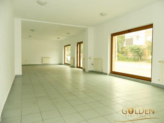 Casa de vanzare direct de la agentie imobiliara, in Arad, zona Alfa, cu 99.000 euro negociabil. 3 grupuri sanitare, suprafata utila 100 mp. Are  3 camere.