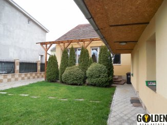 vanzare casa cu 4 camere, zona Boul Rosu, orasul Arad, suprafata utila 150 mp