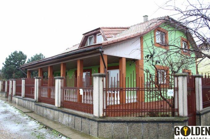 vanzare Casa Arad cu 5 camere, 2 grupuri sanitare, avand suprafata utila 1900 mp. Pret: 95.000 euro negociabil. agentie imobiliara vand Casa.