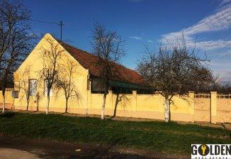 agentie imobiliara vand Casa cu 5 camere, comuna Vinga