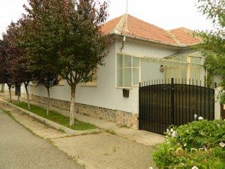 vanzare casa de la agentie imobiliara, cu 6 camere, in zona Exterior Est, orasul Arad