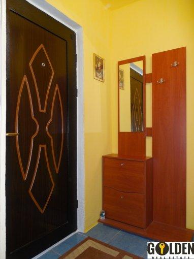 Garsoniera de vanzare direct de la agentie imobiliara, in Arad, zona Micalaca, cu 18.000 euro negociabil. 1 grup sanitar, suprafata utila 37 mp.