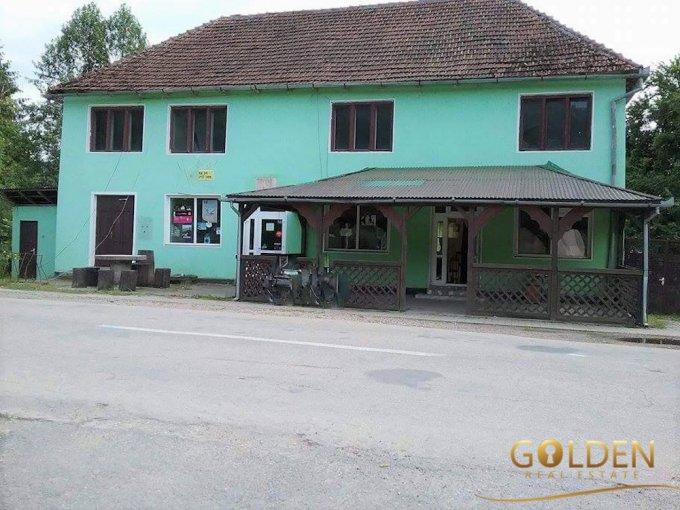 Mini hotel / Pensiune cu 6 camere, 1 etaj, cu suprafata utila de 250 mp, 2 grupuri sanitare, 1  balcon. 38.000 euro negociabil. Mini hotel / Pensiune Dezna  Arad