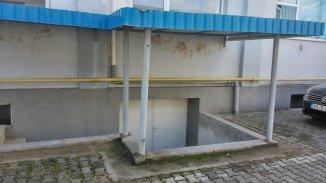 dezvoltator imobiliar vand o proprietate cu teren in suprafata de 200 metri patrati, amplasat in zona Aradul Nou, orasul Arad