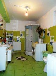Vila de vanzare cu 1 etaj si 7 camere, in zona Vlaicu, Arad