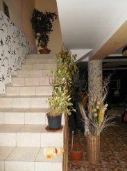 vanzare vila cu 1 etaj, 7 camere, zona Vlaicu, orasul Arad, suprafata utila 245 mp