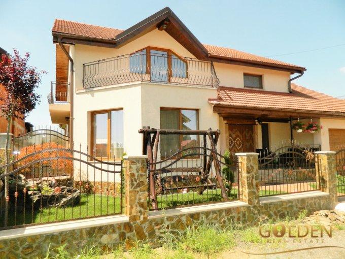 Vila cu 5 camere, 1 etaj, cu suprafata utila de 200 mp, 2 grupuri sanitare, 1  balcon. 170.000 euro negociabil. Vila Sagu  Arad