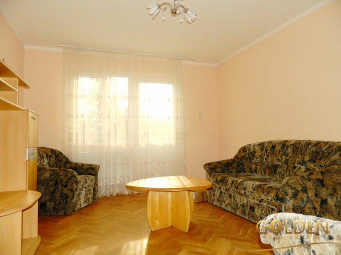 Vila de vanzare direct de la agentie imobiliara, in Arad, zona Aurel Vlaicu, cu 140.000 euro negociabil. 2 grupuri sanitare, suprafata utila 250 mp. Are 1 etaj si 5 camere.