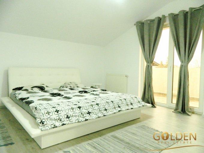 Vila cu 4 camere, 1 etaj, cu suprafata utila de 200 mp, 3 grupuri sanitare, 3  balcoane. 160.000 euro negociabil. Vila Parneava Arad