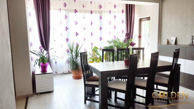 Vila de vanzare direct de la agentie imobiliara, in Arad, zona Gai, cu 125.000 euro negociabil. 2  balcoane, 3 grupuri sanitare, suprafata utila 150 mp. Are 1 etaj si 4 camere.