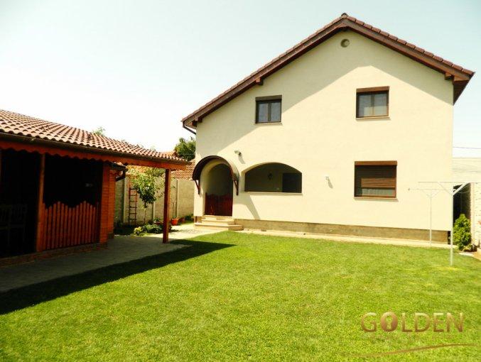 Vila cu 5 camere, 1 etaj, cu suprafata utila de 200 mp, 3 grupuri sanitare, 2  balcoane. 165.000 euro negociabil. Vila Sanicolaul Mic Arad
