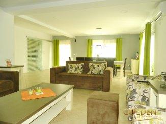 Vila de vanzare cu 1 etaj si 4 camere, in zona Aradul Nou, Arad