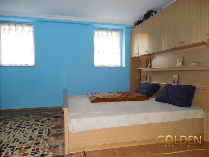 Apartament cu 3 camere de vanzare, confort 1, zona Centru,  Pitesti Arges