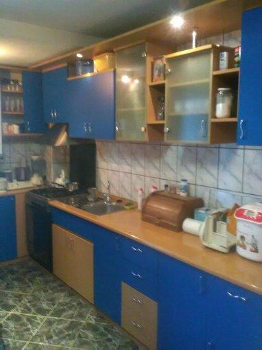 Apartament vanzare Grui cu 3 camere, etajul 4, 2 grupuri sanitare, cu suprafata de 90 mp. Campulung-Muscel, zona Grui.