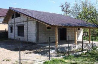 vanzare casa cu 3 camere, orasul Campulung-Muscel, suprafata utila 130 mp