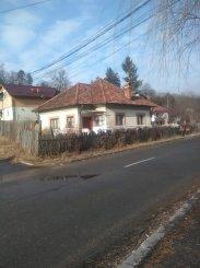 vanzare casa de la agentie imobiliara, cu 3 camere, in zona Centru, orasul Campulung-Muscel