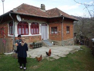 Vanzare casa corbeni arges casa ieftina de vanzare particular for Casa la tara ieftina