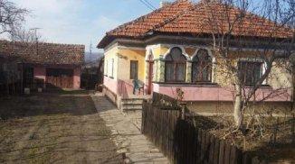 vanzare casa de la agentie imobiliara, cu 4 camere, in zona Centru, comuna Baiculesti