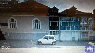 vanzare casa de la agentie imobiliara, cu 5 camere, in zona Confectii, orasul Curtea de Arges