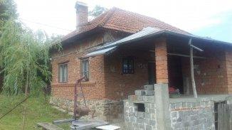 vanzare casa de la agentie imobiliara, cu 6 camere, comuna Bughea de Jos