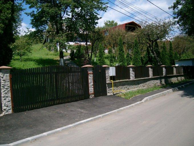 Vest Campulung-Muscel vila cu 3 camere, 1 etaj, 2 grupuri sanitare, cu suprafata utila de 210 mp, suprafata teren 4000 mp si deschidere de 50 metri. In orasul Campulung-Muscel, zona Vest.