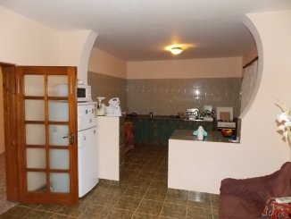 proprietar vand Vila cu 1 etaj, 7 camere, zona Tudor Vladimirescu, orasul Pitesti