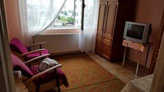 vanzare duplex cu 2 camere, decomandat, in zona Cornisa, orasul Bacau